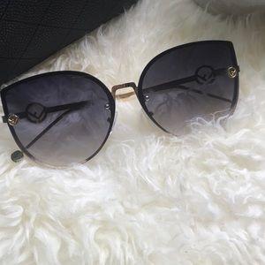 Accessories - 🌺🌸Fashion ombré sunglasses 🌺🌸